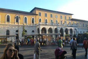 Stasiun Kereta Pisa